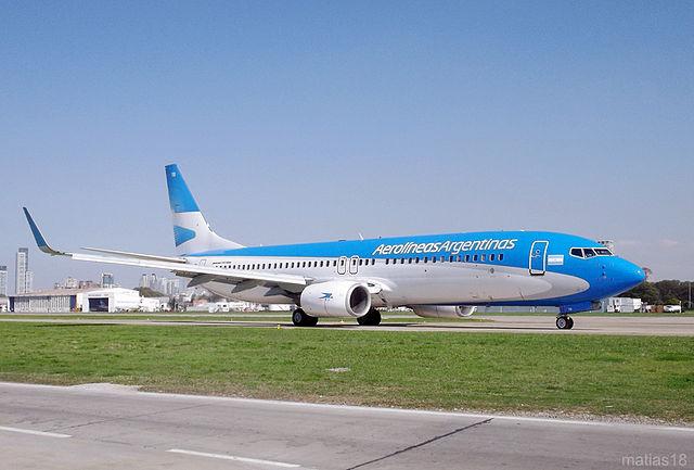 640px-Aerolíneas_Argentinas_Boeing_737-800_LV-CTB