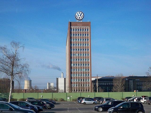 640px-Wolfsburg_VW-Markenhochhaus