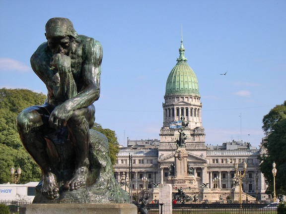 rodins-thinker-in-front-of-congress-at-buenos-aires-argentina_800