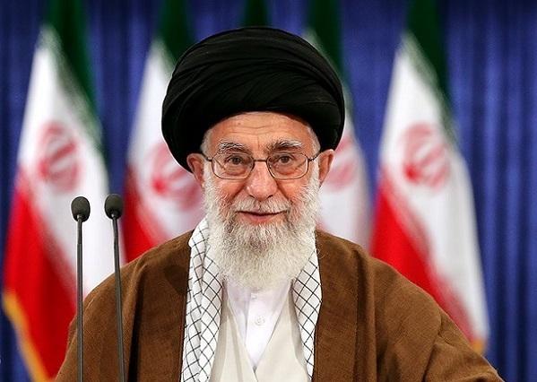 Ayatollah_Ali_Khamenei_casting_his_vote_for_2017_election_3