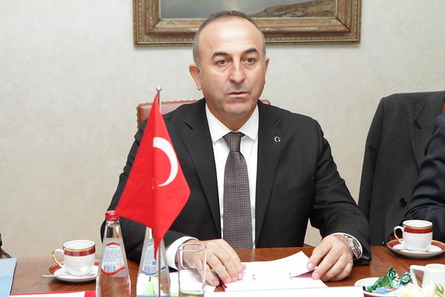 Edgars Rinkçviès tiekas ar Turcijas ârlietu ministru
