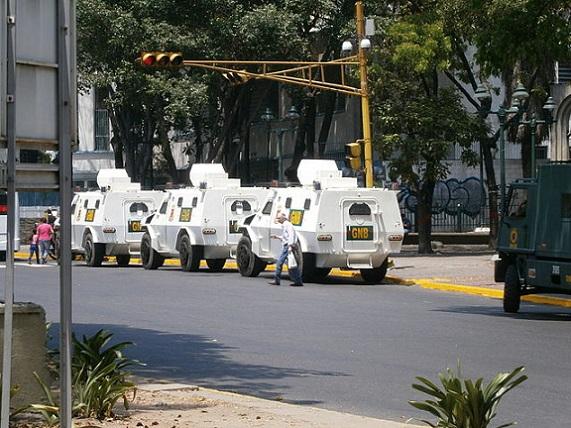 GNB_in_Belas_Artes,_Caracas
