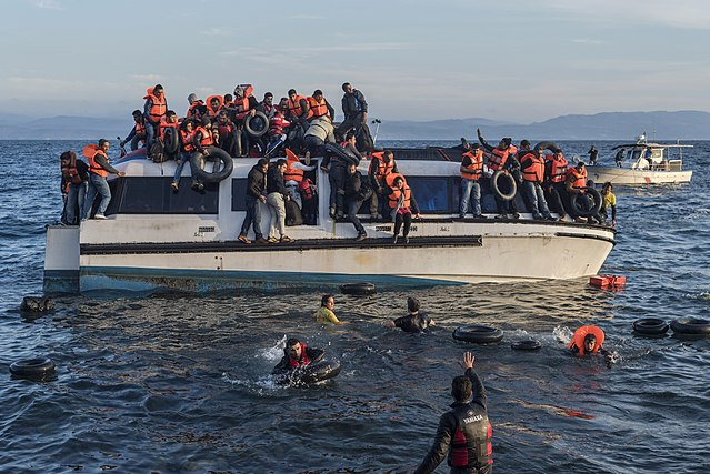 640px-20151030_Syrians_and_Iraq_refugees_arrive_at_Skala_Sykamias_Lesvos_Greece_2