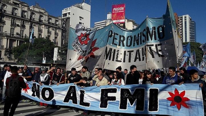 1024px-Marcha_contra_el_FMI_50