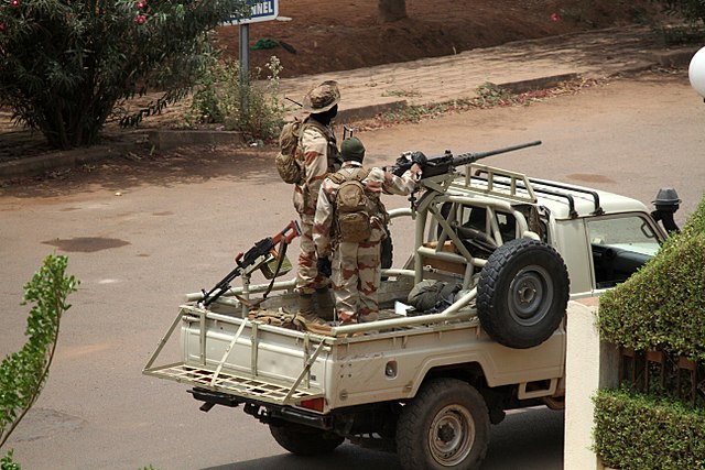640px-Malian_soldiers_in_Bamako_during_2012_coup