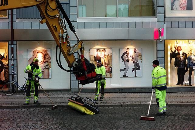 Power street sweeping