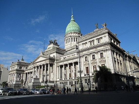 640px-2019_Buenos_Aires_-_Palacio_del_Congreso_de_la_Nación_Argentina