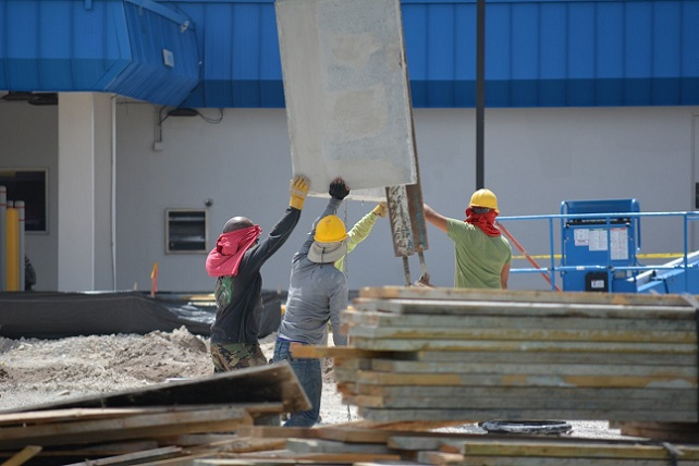 construction_construction_workers_hardhat_safety_builder_concrete_lifting_construction_site-824644