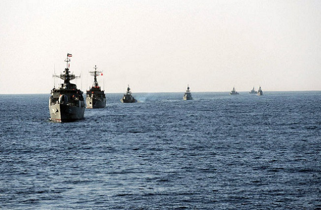 Iranian_Velayat-90_Naval_Exercise_by_IRIN_(5)