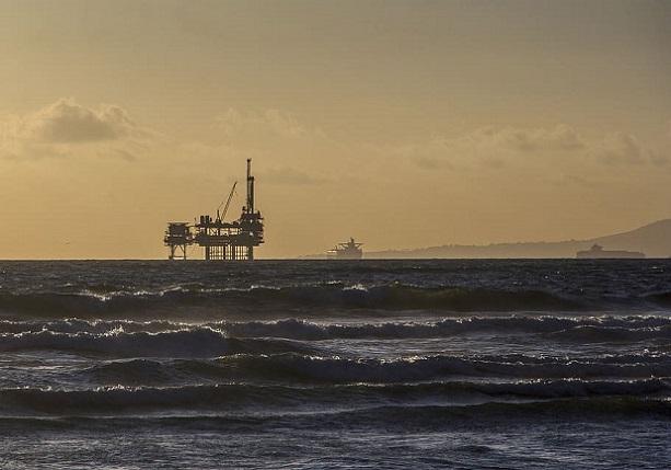 oil-platform-offshore-platform-oil-rig-industry-ocean-sunset