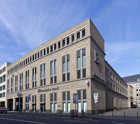 538px-Deutsche_Bank_Köln,_Komödienstraße-9453