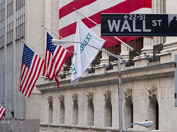 640px-Wall_Street_-_New_York_Stock_Exchange