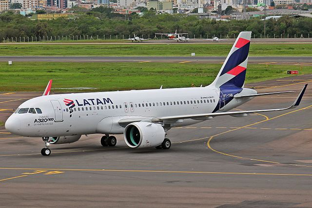 A320neo_LATAM_(30934637733)