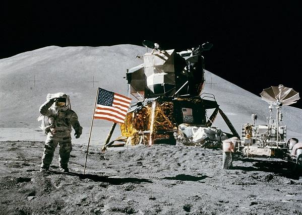 space_station_moon_landing_apollo_15_james_irwin_lunar_moon_luna_lander-1142494