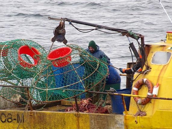 Pesca_de_centolla_en_la_Bahía_Ushuaia_06